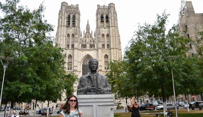 Llegando a la Catedral de Bruselas