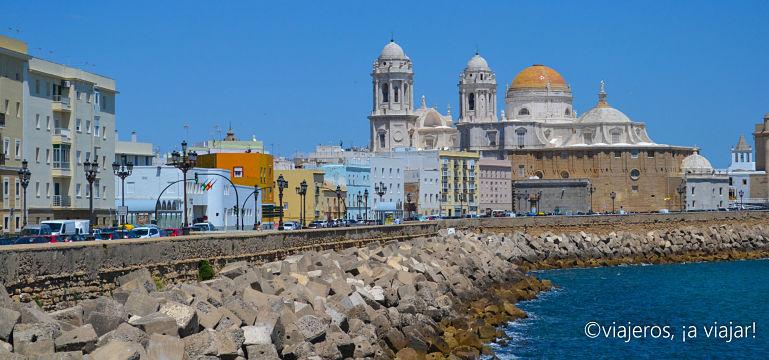 Rutas de Cádiz. Catedral desde Campo Sur