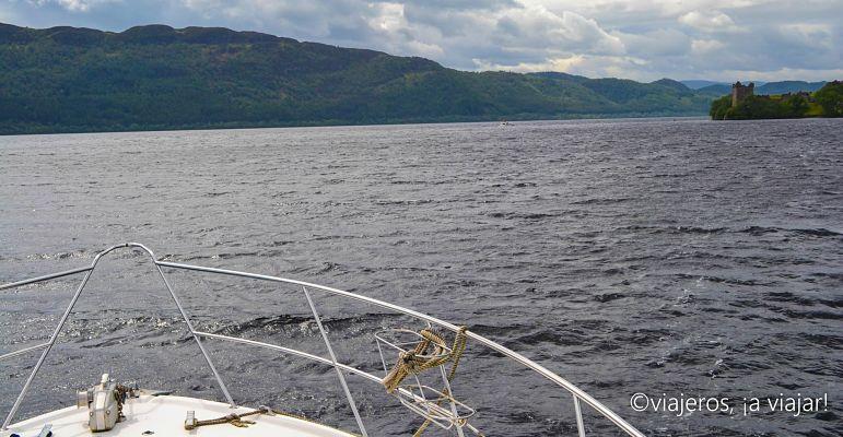 Navegando por el Lago Ness