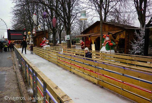 mercadillos navideños en paris. campos elíseos
