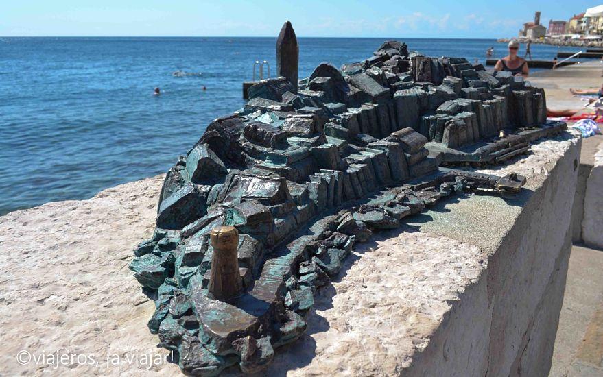Maqueta de Piran en el paseo marítimo