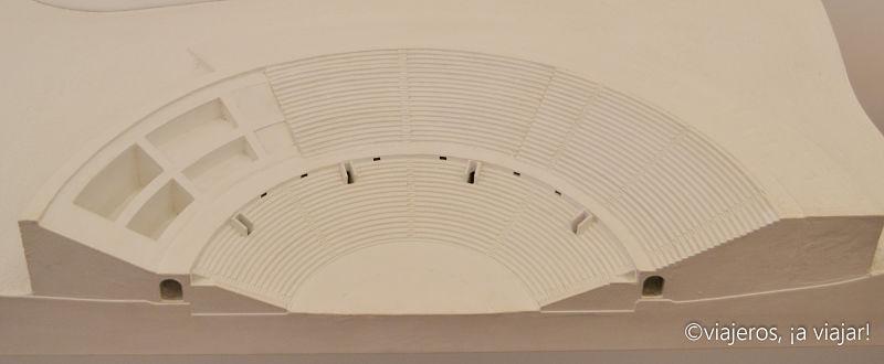 Teatro romano. Media cavea