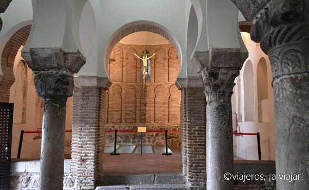 Cristo de la Luz. Columnas