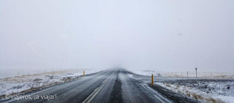 Temporal en noreste de la isla. conducir en Islandia