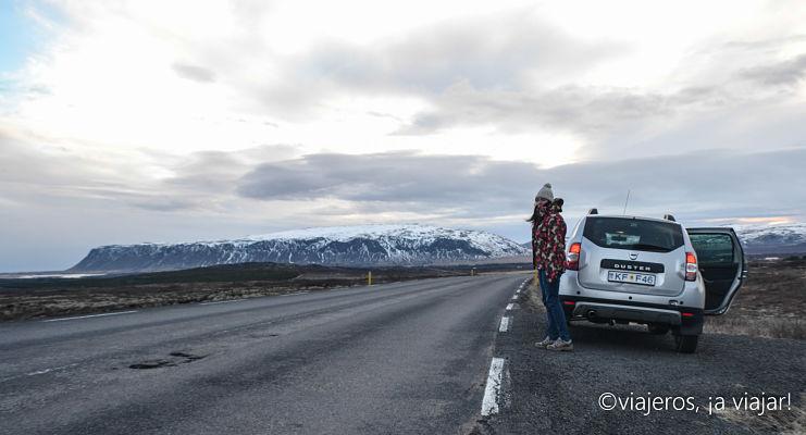 Conducir en Islandia. Kerið