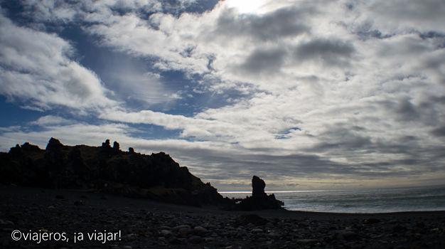10 COSAS ISLANDIA. Mujer troll de Djúpalónssandur