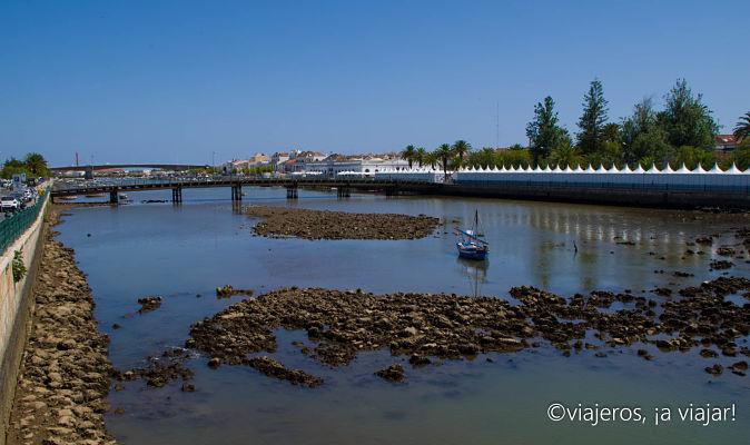 Puente sobre el rio Gilao