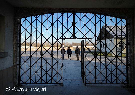Puerta de acceso a Dachau